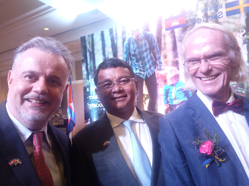 ACAC Founder, Pierre Tami (left) with HE Hang Chuon Naron, Minister of Cambodia's Ministry of Education, Youth and Sport which sits on the governing board for ACAC (centre) and Mr. Magnus Saemundsson, Sida Senior Education Advisor (right).